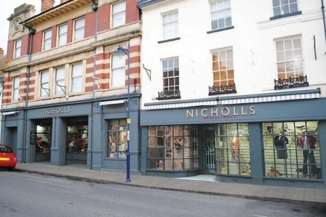 Nicholls Abergavenny:  Butterflied Chicken Breast, Stilton Sauce and Seasonal Vegetables.
